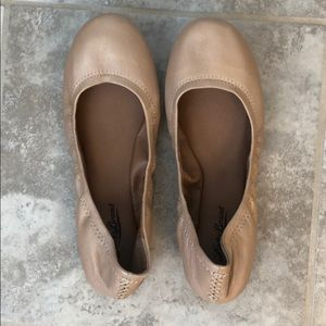 Lucky brand leather flats